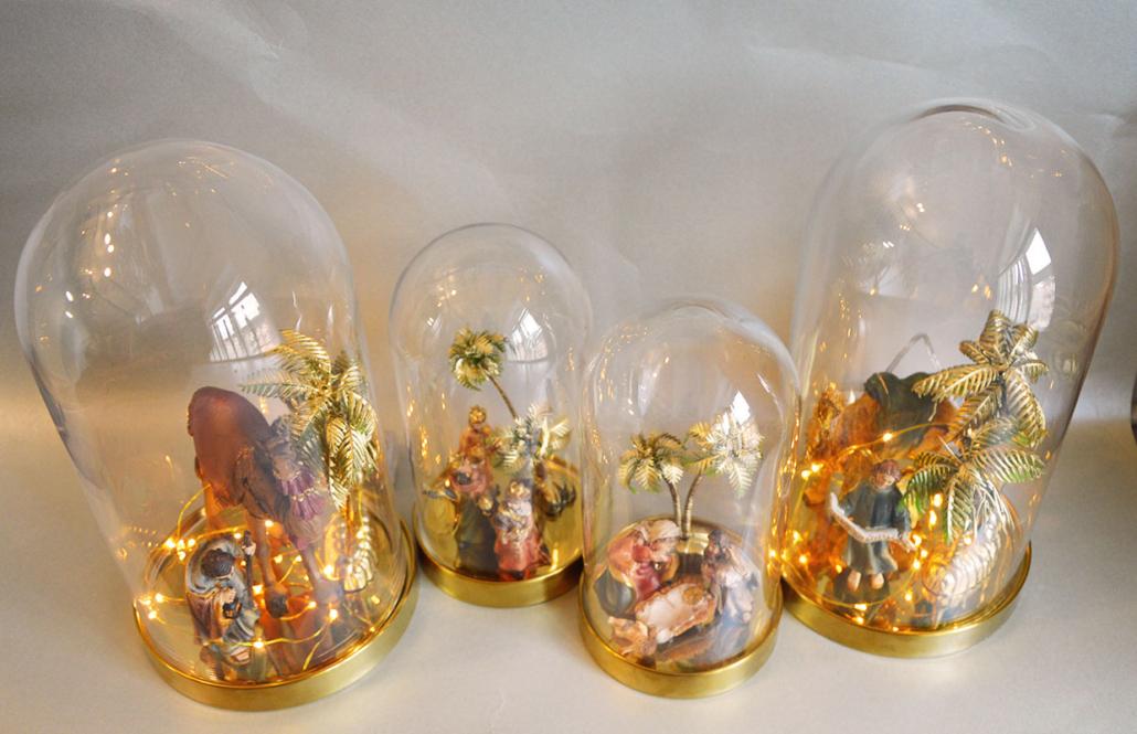 Fire krybbespil med glaskupler fra Ikea.